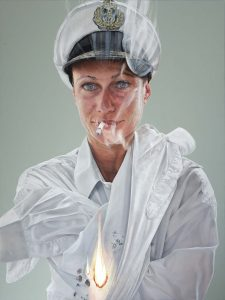 "<p style=""text-align: center;"">Smoking gun – 2009 – 150x200cm – acrylik on canvas</p>"